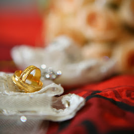 rings by Justin Yeong - Wedding Details ( object, artistic, jewelry )