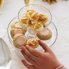 Almond-Meringue Cookies