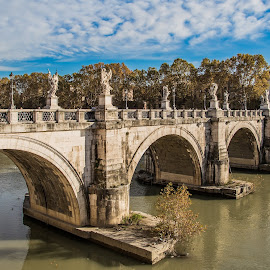 Castle Sant'Angelo Bridge by Rooney Tham - Buildings & Architecture Bridges & Suspended Structures