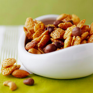 Caramel-Coated Spiced Snack Mix