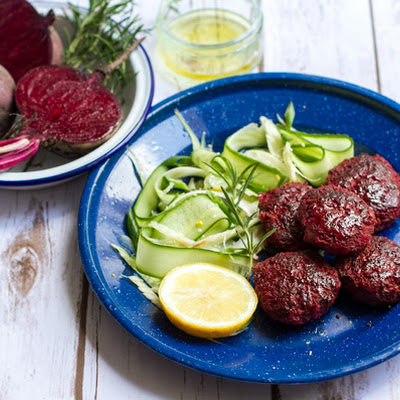 Beetroot & Rosemary Beef Burgers