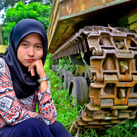 Brown eyes by Guntur Hanafi - Novices Only Portraits & People ( brown eyes hijab tank,  )