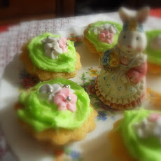 Garden Party Fairy Cakes for a Royal Wedding