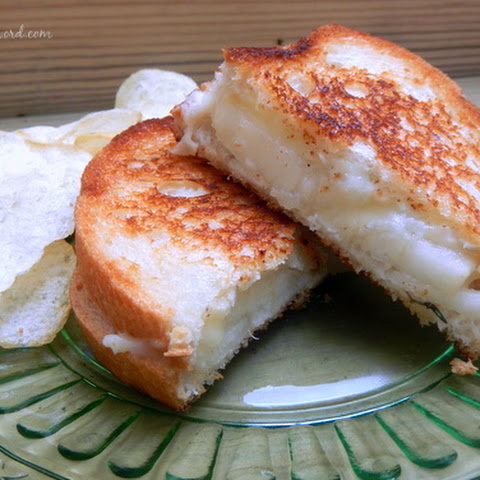 Grilled Pear & Brie Sandwich