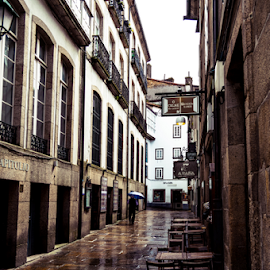 Santiago path by Pedro Galvao - Buildings & Architecture Other Exteriors ( street, santiago, wet, espanha, compostela )