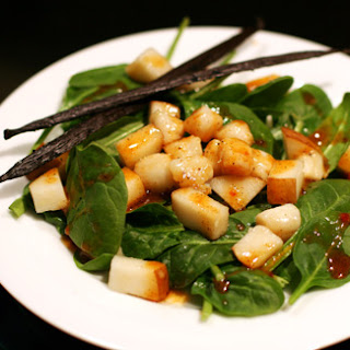 Scallop & Spinach Salad with Vanilla Chili Dressing