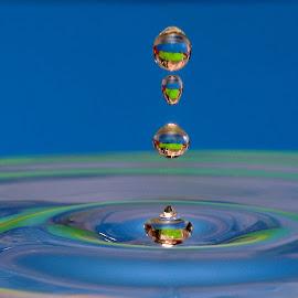 serial drops... by Hale Yeşiloğlu - Abstract Water Drops & Splashes ( waterdrop, blue, drop, liquid art, drops, waterdrops )