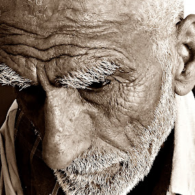 at the end by Lalaji Anwar - People Portraits of Men ( ill, wise, age, elderly )