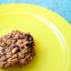 Giant Old-Fashioned Oatmeal Cookies