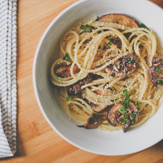 Simple Weekday Spaghetti with Mushrooms