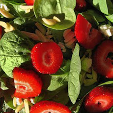 Mixed Baby Greens with Strawberries and Gorgonzola
