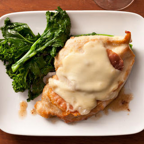 Pollo alla Valdostana (Chicken with Prosciutto and Fontina Cheese)