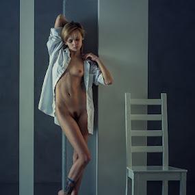 Irina  by Dmitry Laudin - Nudes & Boudoir Artistic Nude ( studio, nude, girl )
