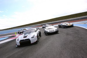 Screenshot of Nissan GT-R Supercar Wallpaper