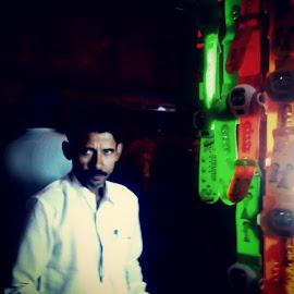 Watch sellers time by Abid Nissar - City,  Street & Park  Markets & Shops ( wristwatches, mumbai, muhammedaliroad, nightlife, instaclick, toughtimes, seller, florescentlamp, instachallange )