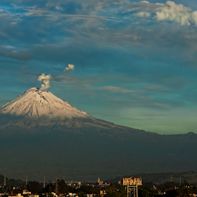 Snowy volcano by Cristobal Garciaferro Rubio - Landscapes Mountains & Hills ( cholula, mountain, popo, mexico, puebla, snow, popocatepetl, smoking volcano, snowy volcano )