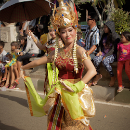 Beautiful Traditional Dances by Andreas Prasetya - People Musicians & Entertainers ( street, traditional, dance )