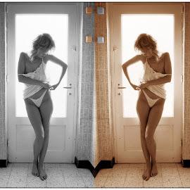 Kontakten Switch by Etienne Chalmet - Nudes & Boudoir Boudoir ( erotic, girls, sexy, nude )