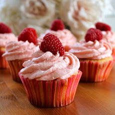 Champagne Cupcakes with Raspberry Buttercream Frosting