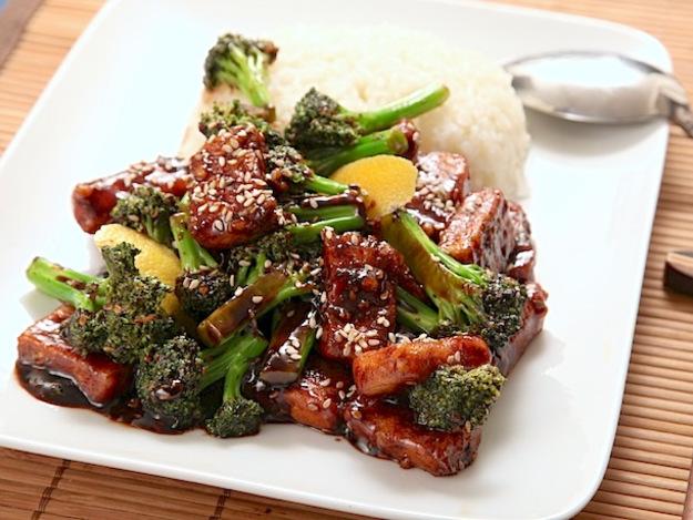 Vegan Crispy Stir-Fried Tofu With Broccoli Recept | Yummly