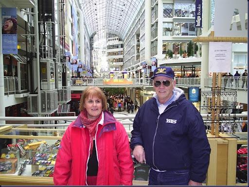 07_Papa y Cristina en Eaton Centre