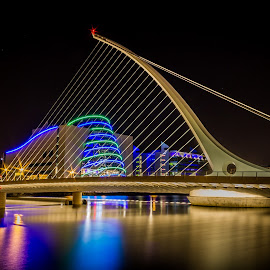 Samuel Beckett Bridge - Dublin by Vaidotas Maneikis - Buildings & Architecture Bridges & Suspended Structures ( ireland, dublin, samuel beckett bridge, long exposure, night, river )