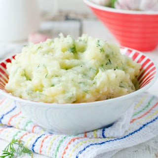 Copycat Applebee's Garlic Mashed Potatoes