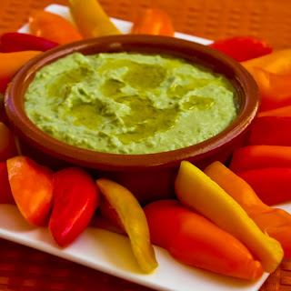 Green Garbanzo Hummus with Sweet Mini-Pepper Dippers