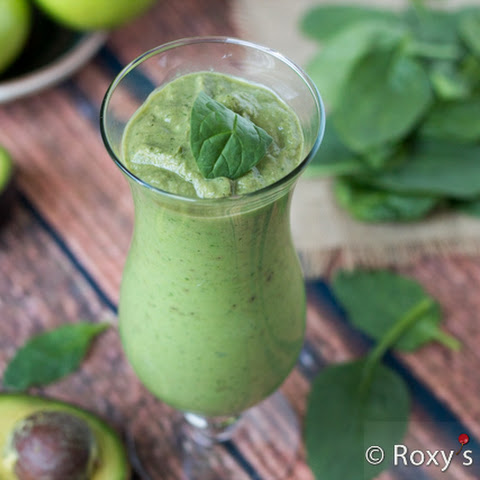 Creamy Banana Green Smoothie – Healthy Eating Has Never Tasted So Good!