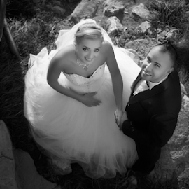 Happy day by Andrei Grososiu - People Couples ( rasnov, black and white, romania, bride, grooms )
