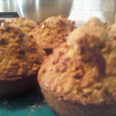 Quick and Healthy Oatmeal Raisin Breakfast Muffins