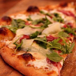 Pioneer Woman's Fig-Prosciutto Pizza with Arugula