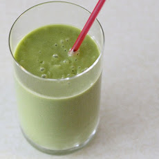 Spinach and Avocado Green Smoothies