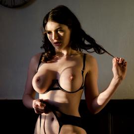 by Gavin Harrison - Nudes & Boudoir Artistic Nude