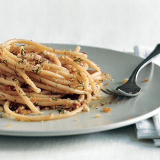 bread linguine with breadcrumbs and pasta with toasted breadcrumbs ...