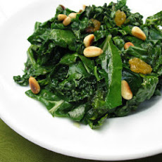 Wilted Spinach With Pine Nuts and Raisins