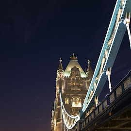Different angle of the Tower Bridge by Agne Pociute - Buildings & Architecture Bridges & Suspended Structures ( tower, london, night, bridge, angle )