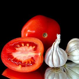 Garlic-tomato by Asif Bora - Food & Drink Ingredients