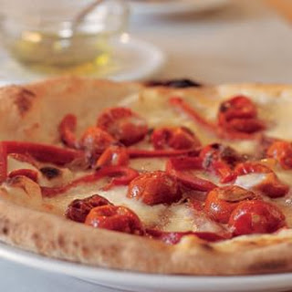 Pizza with Roasted Peppers, Tomatoes and Anchovies (Pizza con Peperoni, Pomodori e Alici)