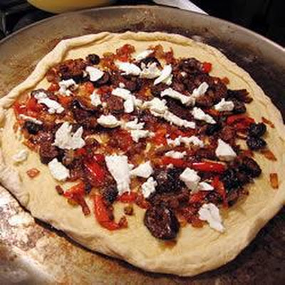 Fig, Caramelised Onion and Goat Cheese Pizza