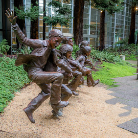 BRONZE CHILDREN AT PLAY by Julio Gonzalez - City,  Street & Park  City Parks