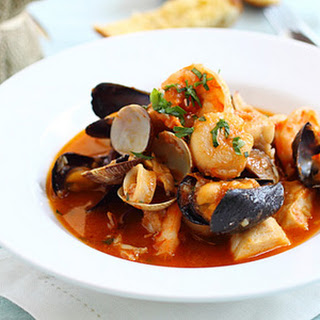 Oscar's Cioppino with Bruschetta