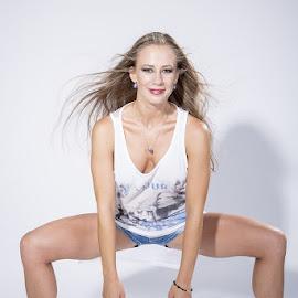 Ballerina by Viorel Stanciu - People Musicians & Entertainers ( dancing, fun, ballerina, entertainment, dancer )