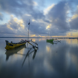 Morning at Batu Jai by Deddy Hariyanto - Landscapes Sunsets & Sunrises ( colour, cloudy, long exposure, sunrise, boat )