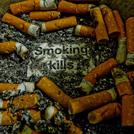 Stop smoking by Kuki Mulchandani - Abstract Macro