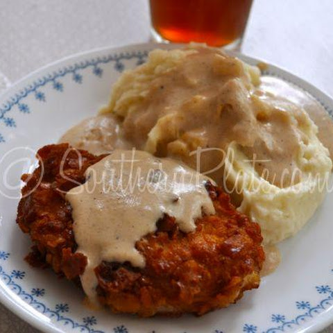 Crispy Breaded Pork Chops with Milk Gravy