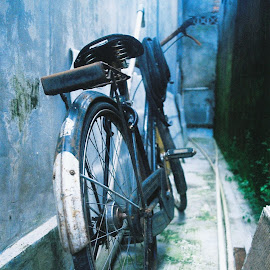 i'm alone now by Galih Yuda Hariyanto - Transportation Bicycles
