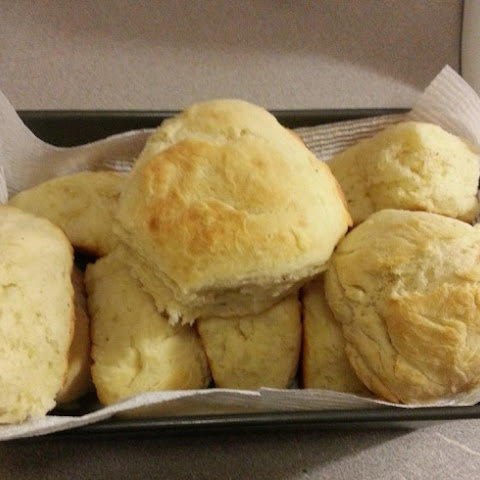 Tall And Fluffy Buttermilk Biscuits