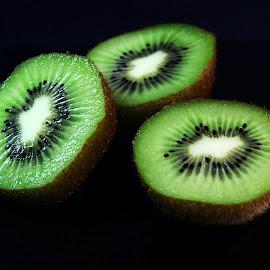 Kiwi slices by Prasanta Das - Food & Drink Fruits & Vegetables ( fruit, kiwi, slices )