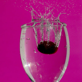 Grape splash pink by Anthony Doyle - Abstract Water Drops & Splashes